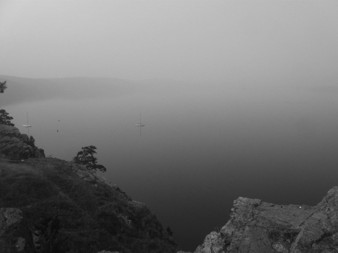 nature, fog, mountain, scenics, beauty in nature, tranquility, tranquil scene, no people, outdoors, day, water, landscape, sea, sky