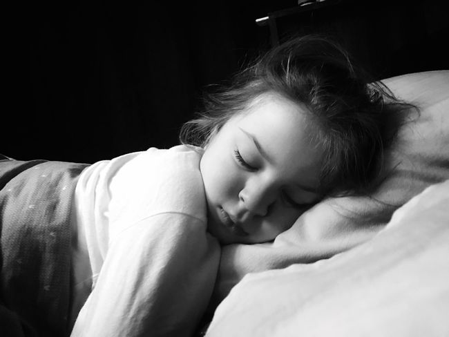 Sleeping beauty Sophia ❤️️ Relaxation Young Women Real People Lifestyles Young Adult Bed Headshot Lying Down Sleeping Indoors  Leisure Activity Close-up One Person Day Cute Mylife Blackandwhite Shotoniphone7plus ShotOnIphone