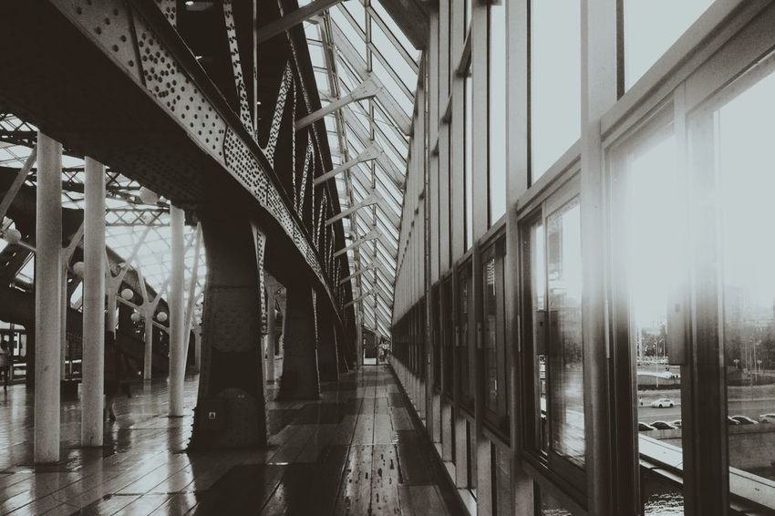 Show Me Your Sepia On The Bridge Architecture Discover Your City Vanishing Point