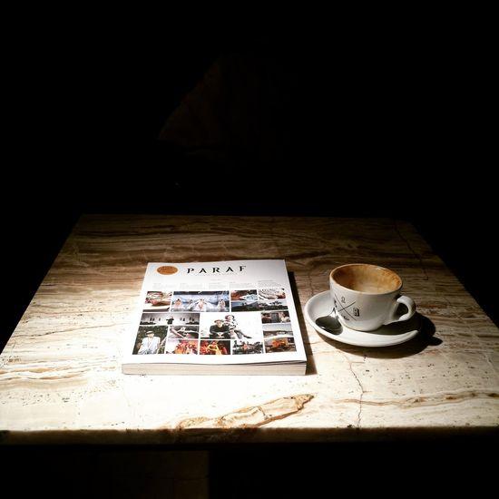 Table Drinking A Latte Coffee Affogato Crematology Jakarta Indonesia Jakarta INDONESIA Coffeecafe Magazine Reading