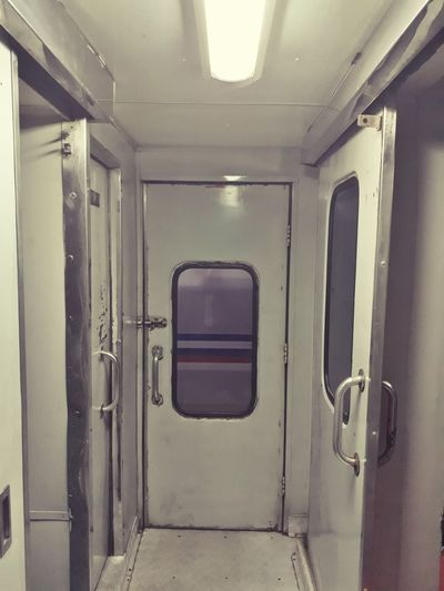 Kubik Train Lamp 3door EyeEm Ready   EyeEmNewHere AI Now
