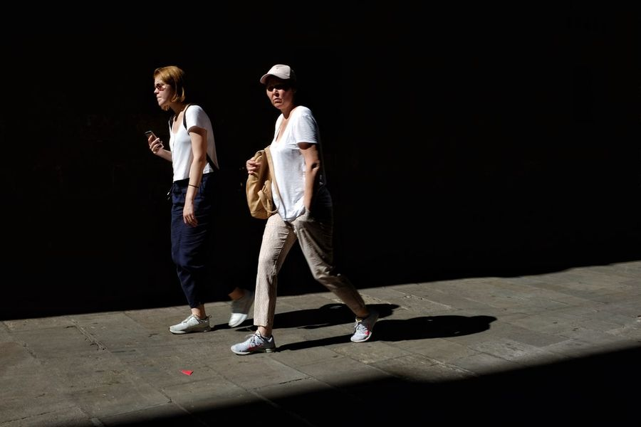 Fromstreetswithlove Photo Street Streetphoto Urbanphotography Lightandshadows Streetphotography Candid Photography Light And Shadow Street Photography Shadows & Lights Full Length Black Background Standing