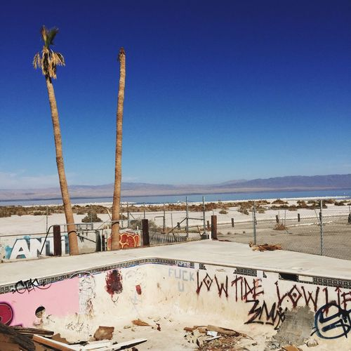 Day No People Outdoors Clear Sky Sky Salton Sea Abandoned Places Other Desert Cities Swimming Pool Graffiti Decay