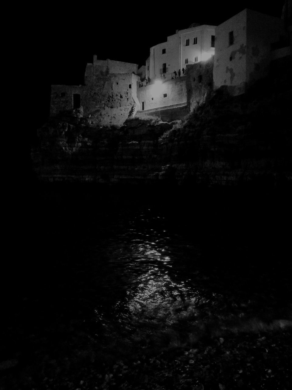 architecture, built structure, building exterior, castle, night, outdoors, history, water, no people, ancient, sky, nature