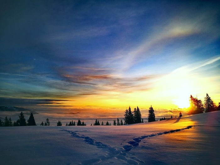 dawn phenomen Austria Walking My Dog Clouds And Sky Mountain Range Sunset_collection Mountain View Dobratsch Sunrise_Collection Sunset Winter Cold Temperature Snow Sky No People Outdoors Cloud - Sky Tranquility Travel Destinations Scenics Nature Galaxy Beauty In Nature