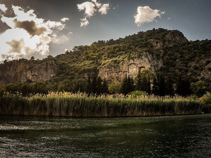 Gräber - Dalyan Kayak Holidays Holiday Vergessen Gräber Gopro Berg Lost Plant Tree Sky Growth Beauty In Nature No People Land Outdoors Landscape Water Day Cloud - Sky Scenics - Nature The Great Outdoors - 2018 EyeEm Awards
