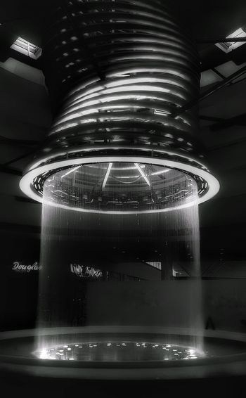 Water Indoors  No People Cold Temperature Bnw_planet Bnw_friday_eyeemchallenge Nopeople Blackandwhite Bnw_captures Bnw_collection Black & White Black And White Photography Bnw_photography Arquitectura Built Structure Escena Tranquila Blancoynegro Bnwmood EyeEm Selects Arquitecture_bw Architecture Night City Backgrounds