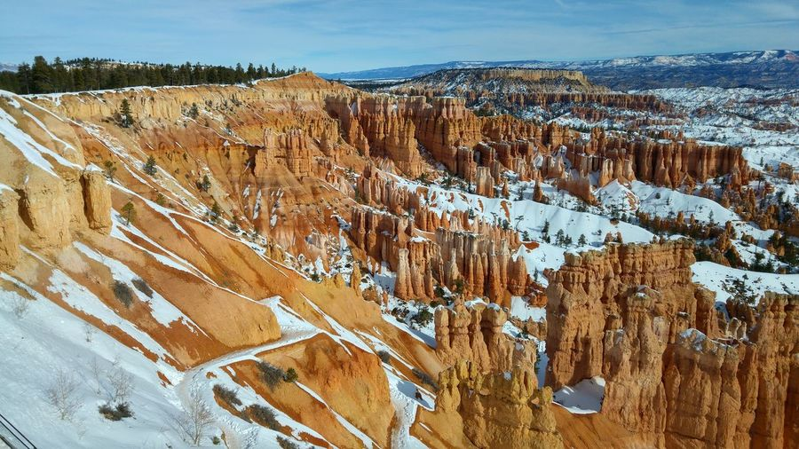Snow on rock formation at bryce canyon national park