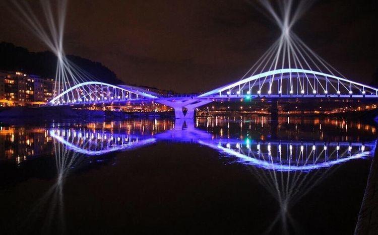 Lyon : Le Pont Schuman s'est illuminé pour le plus grand plaisir des Lyonnais