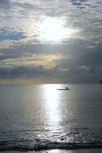 The rhythm of the waves of the sea of siberut ... Manaikoat cottage is where we dove and be happy in the morning and grateful to feel the amazement of the handmade of the Lord of our nation Indonesia, where we can enjoy the beautiful sunrise on the east of the island, the sea view of siberut island, is the charm The beautiful islands mentawai which is a group of western islands of western sumatera province, its beauty is very dangerous, when standing and see the angle of sea view hence this attention very charming beautiful. Photos and text by James a Watulingas. Boat Canon Canon Eos  Canon M3 Canonphotography Fishing Fishing Boat Sea Seascape Sky And Clouds Sunrise The Great Outdoors - 2017 EyeEm The Great Outdoors - 2017 EyeEm Awards Live For The Story Insect Nature EyeEmNewHere Let's Go. Together. The Great Outdoors – 2017 EyeEm Awards  The Photojournalist - 2017 EyeEm Awards