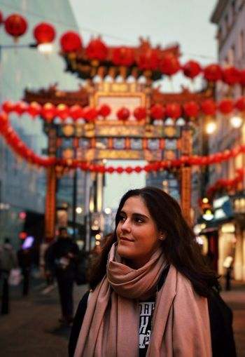 Quiet thoughts mend the body ⛩🗺 London China British Britain England Red Real People Focus On Foreground Building Exterior Outdoors Only Women Lifestyles One Person Photographer Photography Canon6d 6D Canon Chinese Lantern Festival Cultures City Colorfull London Lifestyle Red Color