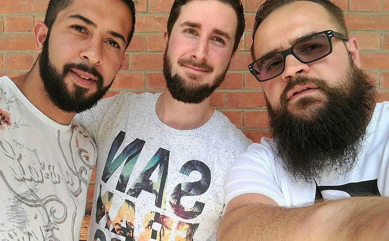 Good Friends Barbudos Beardedmen