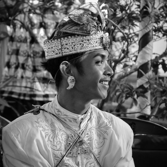 One PersonBalinese Culture Balinesse Balinese Bali Bali, Indonesia Bali Indonesia Bali Art And Culture Baliphotography Bali Sunset Mepandes Headshot Real People Close-up Sunlight Focus On Foreground Adults Only One Man Only Lifestyles Day Traditional Clothing Outdoors Young Adult Men Portrait