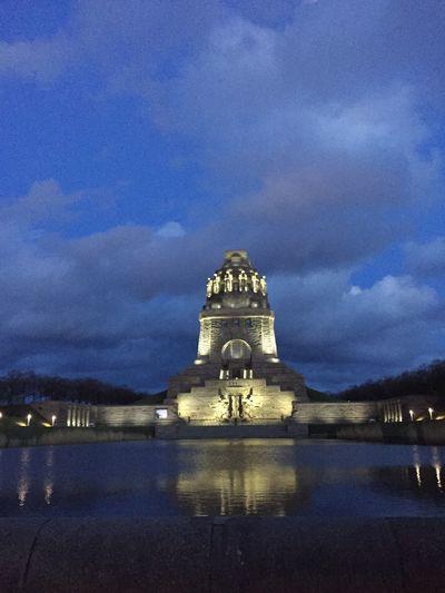 Völkerschlachtdenkmal Night Lights Exploring New Ground Blaue Stunde Architecture