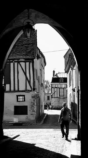 Architecture Street Photography Sunlight Sunlight, Shades And Shadows One Man Watching Up Blackandwhite Photography Architectural Detail EyeEm Gallery Eye4photography  Provins - France