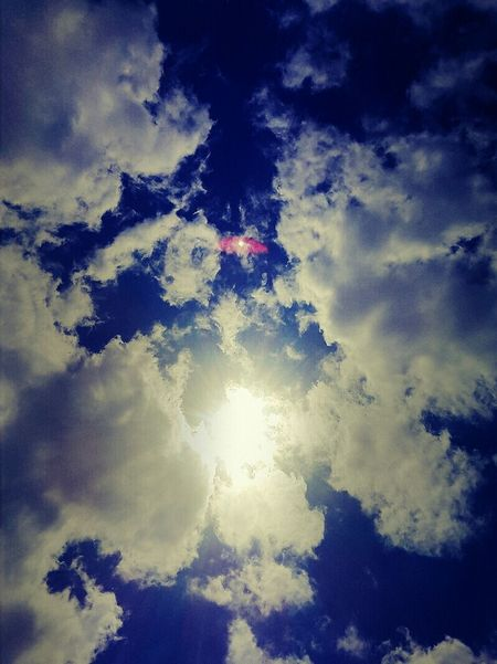 Cloud - Sky No People Outdoors Sky Beauty In Nature Nature Photography Relaxing Happiness Happy Time Enjoying Life Nature Sunlight