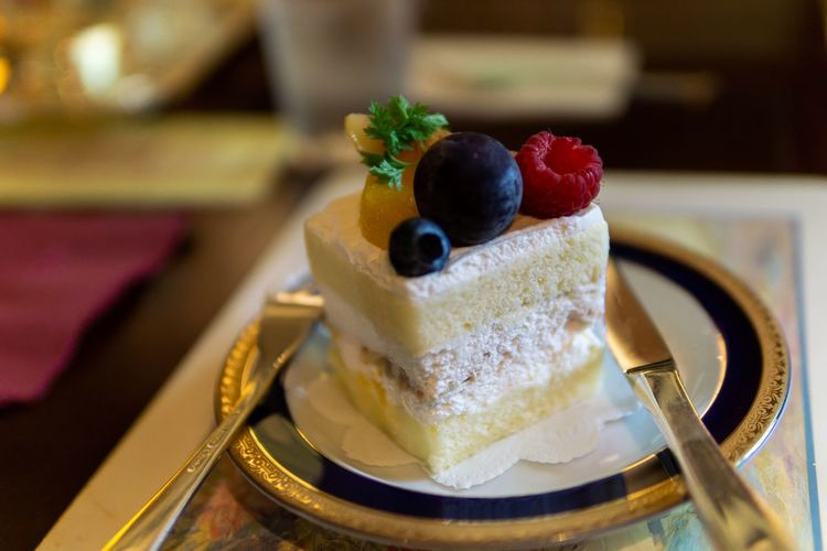 Berry cake in Kobe. Eating Food And Drink Japan Japanese Food Japanese Style Travel Berry Fruit Cake Close-up Dessert Eat Eating Utensil Focus On Foreground Food Food Photography Foodphotography Freshness Fruit Ready-to-eat Sweet Sweet Food Table Temptation