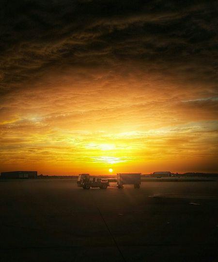 MCO Airport Sunrise Morningsbelike Photography Orange Yellow Sun Sky