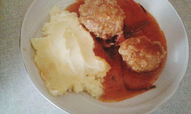 Danas za rucak: cuftice sa pire krumpirom