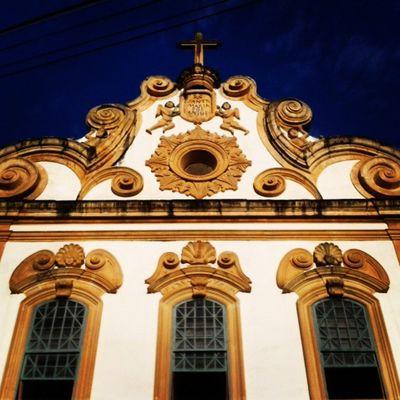 No detalhe, faixada do Convento & Igreja Santa Maria dos Anjos ♡ Vemverdeperto Vemconhecer Alagoas Brasil Terralinda Minha_alagoas Partiubrasil P Vemseencantar Visitepenedo Maiorcentrohistoricodealagoas Naoseguiu Entaosegue @tour_penedo
