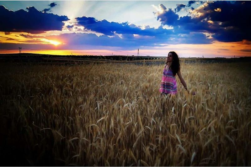 Colores #ski #magia #luces #colores Field Sunset Cereal Plant Rear View One Person Beauty Cloud - Sky