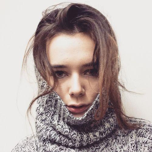 Girl Warsaw Before Coffee