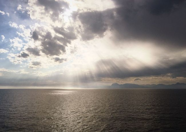 Sea Tranquility Scenics Tranquil Scene Horizon Over Water Sun Beams Clouds EyeEmNewHere