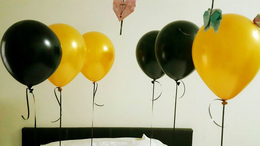 Balloons my sweetie surprised me for Mother's day ❤❤❤❤ Balloons Balloon Gold And Black Celebration Of Love Flying Ballons Eyeemphoto