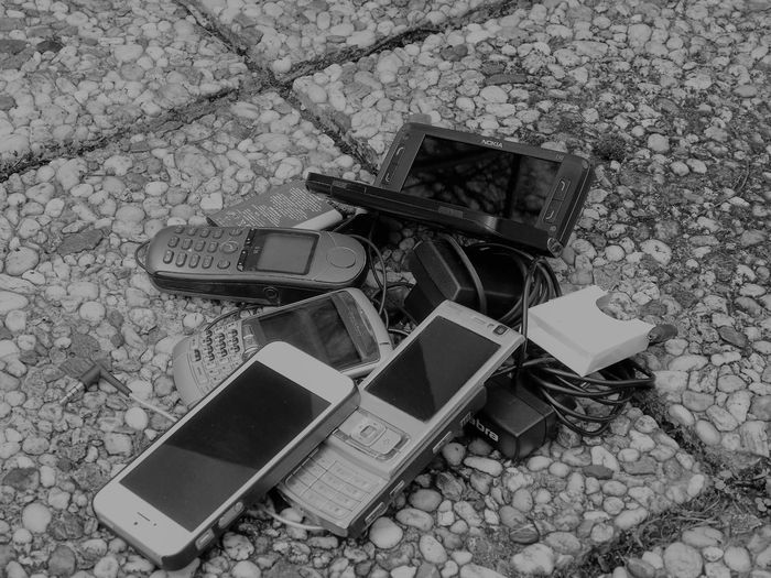 Nostalgic nest of cell phones on the terrace Babbel Blackandwhite Cellphone Photography Cellphonephotography Cellphonepics Communication Development Cell Phone IPhoneography M Mobile Conversations Mobilephotography Modern Mountain Nest Of Cell Pho New York Nokia  Nostalgic  Old Fashioned Old Fashioned. Pattern Progress Siemens  Siemenssteg Technology Wireless Technology