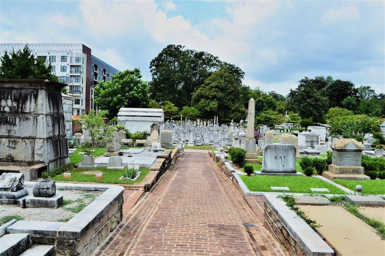 EASTATLANTA Georgia Grant Park Lines Oakland Cemetery, Atlanta Georgia Atlanta Gardens Streetphotography Texture