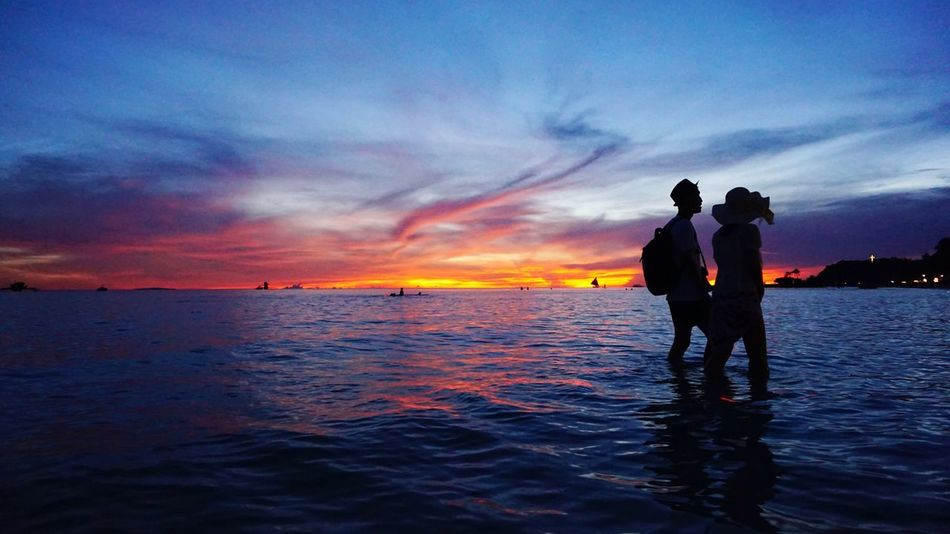 43 Golden Moments Lovers Silhouette Sunset_collection Beautiful Sunset Fiery Sunset... Boracay Philippines EyeEm Best Shots Eyem Gallery