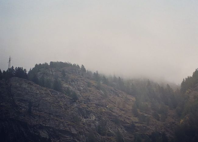 Scenics Outdoors Beauty In Nature Nature Fog Beauty In Nature Tranquility Landscape Mountain