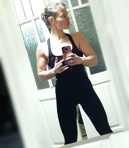Me Shape And Form Model Beautiful Girl Mirrorselfie Woman Body & Fitness Selfie ✌ Muscles Bodybuildingmotivation