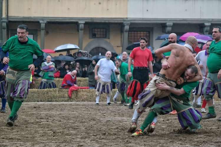 calcio storico Firenze italy Florence Italy the best city in the world calcio storico Football heritage robust sport Colors medieval cultural festival Festival Season Calcio Storico Firenze Italy Florence Italy The Best City In The World Calcio Storico Football Heritage Robust Sport Colors Medieval Cultural Festival Costume Day Outdoors Adult Multi Colored Men Adults Only People Young Adult Only Men Real People Large Group Of People Crowd This Is Masculinity