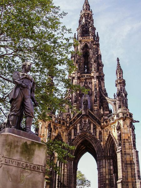 Architecture Built Structure Building Exterior Low Angle View Tower Travel Destinations History Statue Sculpture Famous Place Tourism City Edimburgh Edimburgo Escocia Scotland Livingstone  Travel Travel Destination Urban Exploration