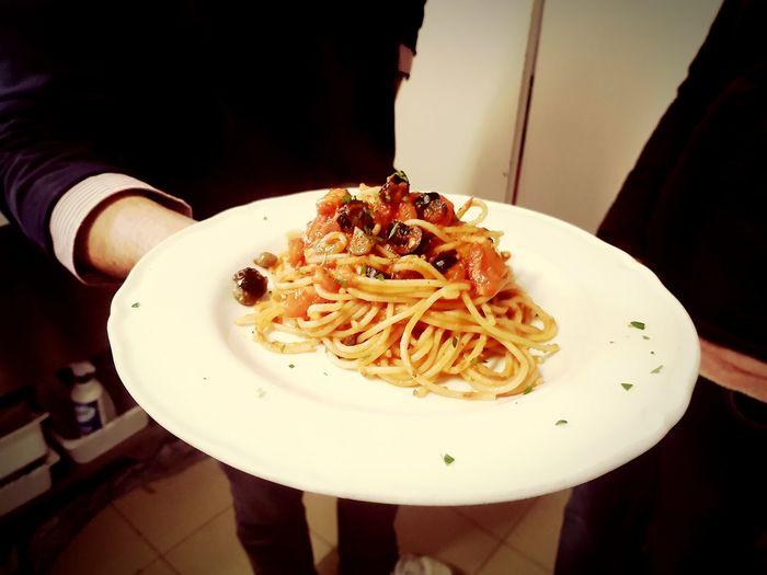 Italy Italia Italian Food Italy❤️ Spaghetti <3 Pomodoro Capperi Acciughe Olive Life Good Dinner Italianstyle