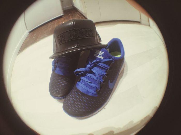 C'est presque deja noel ?❤️ MrLenoir NikeFree3 Present