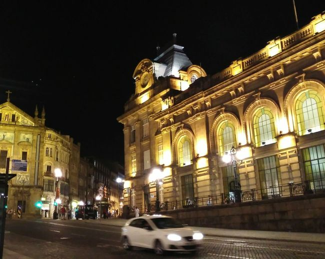 train station. City Illuminated Car Statue Architecture Building Exterior Built Structure Historic Triumphal Arch Building The Past Visiting Passageway Civilization Street Light History City Street Historic Building Exterior Archaeology City Gate Archway Place Of Worship HUAWEI Photo Award: After Dark
