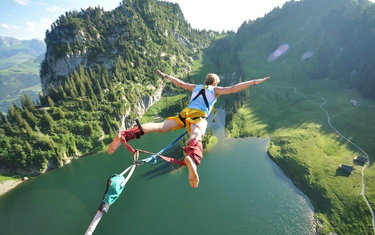 The Amazing Human Body Mountains Nature Men Jumping Lakes  View Bungeejump