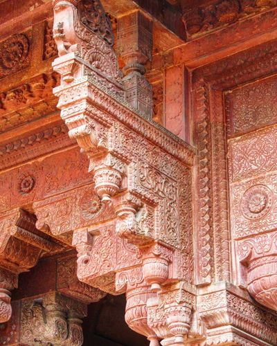 In between mughal architecture, looks like I found hindu style architecture Fatehpursikri Agra UttarPradesh Up India Travel History Mughalarchitecture