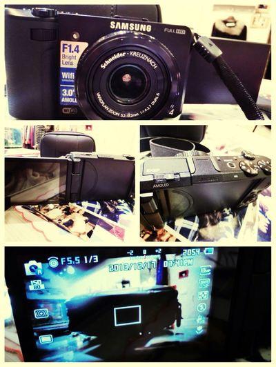 代售* EX2 完美二手* 「附16g記憶卡+2顆原廠電池+相機包+掛脖帶子」相機可翻轉自拍-幾乎沒刮傷,想要自拍+聖誕節禮物。預算沒太多的女孩們⋯可以考慮這台喔!$:4000僅此一台。