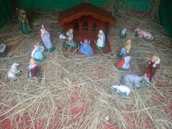 Christmas Collection Crib Day Indoors  Men Merry Christmas Merry Christmas Eve! Merry Christmas! Nativity Church Nativity Figurine Nativity Scene People Traveling Home For The Holidays