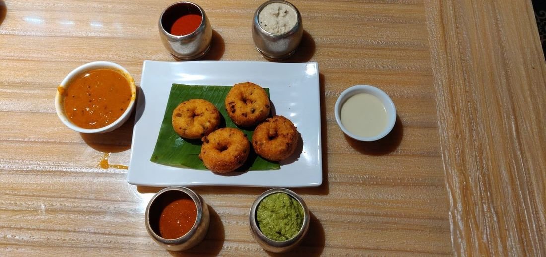 Chutney Wada Plate Table Directly Above Deep Fried  Food And Drink