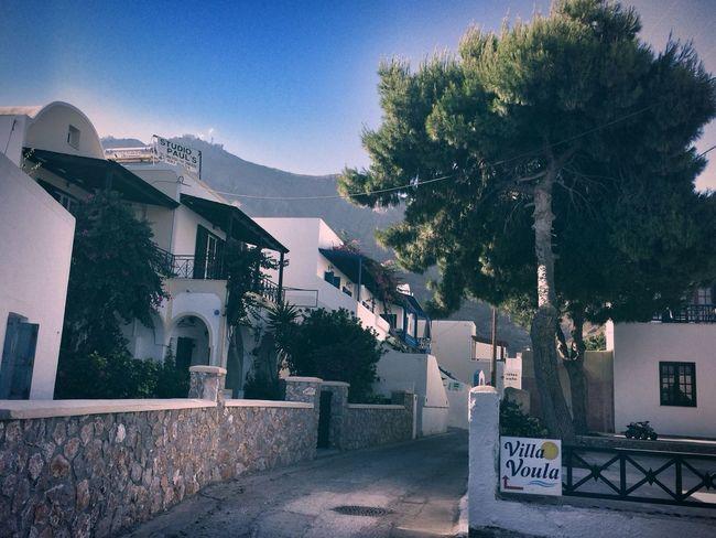 Hello World Santorini Perissa