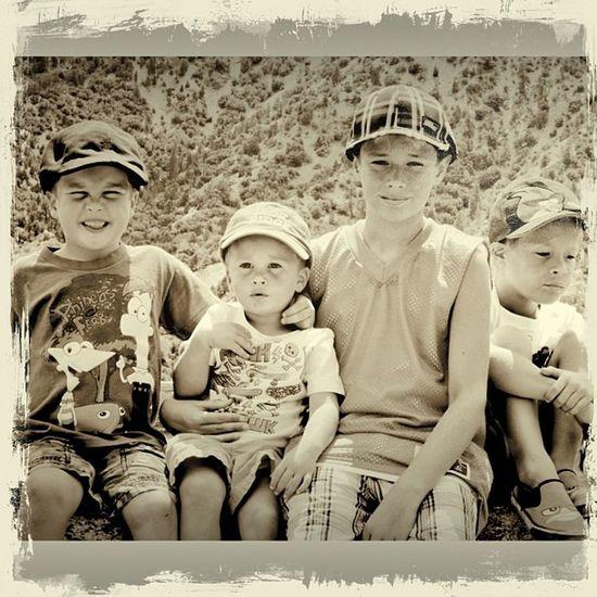 The Pribbanow clan..Lovemyboys Family Kids Love joybestmomever heaven heartkids amazing