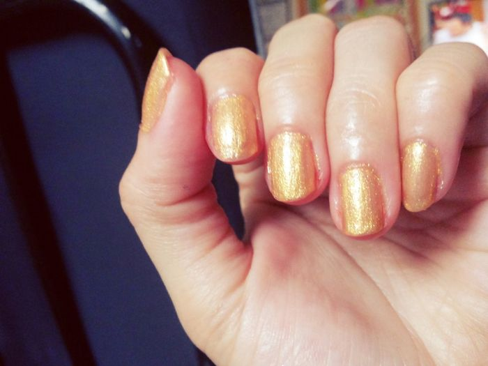 Ma' golden nails.. Relaxing That's Me Taking Photos