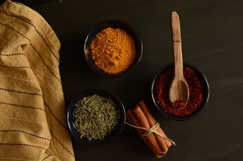Woodenspoon Napkins Spices Napkin Thyme Red Peppers Colchicum Crocus Saffron Cinnamonrolls Cinnamon Darkfood Kitchen Dark Wooden Spoon