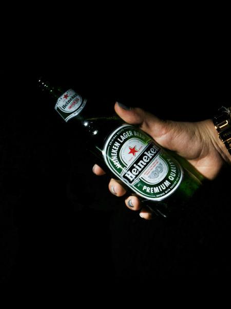 Heineken Beer - Alcohol Heinekenexperience Heineken Beer Adult Hand Drinking Beer Drinks Drink Time Cerveza Heineken Cerveza Alcoholic Drink Alcohol Eyeem Market Eyeemphotography EyeEmBestPics Color Photography EyeEm Best Shots Eye4photography  EyeEm Best Edits EyeEm Gallery