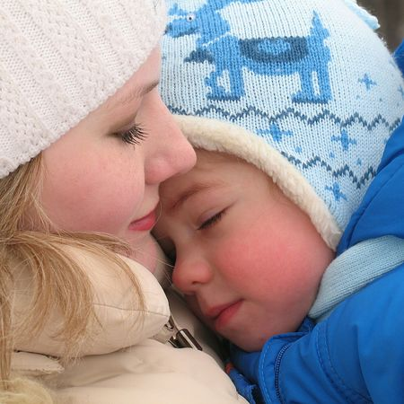 RePicture Giving Motherhood Child Girl Winter Motherlove