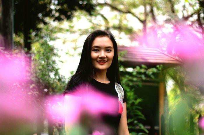 Smile Portrait Young Girl Looking To Camera Girl Sweety Smile Happy Moments Myanmar Culture Myanmar Yangon, Myanmar